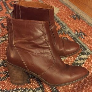 Madewell brown leather booties- 38 (7.5)